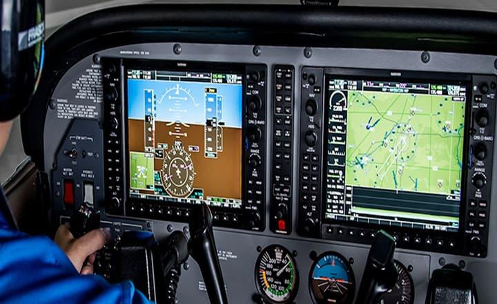 imagen de consola central del simulador para el avión frasca 142